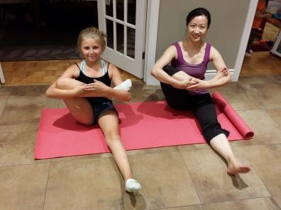 Zoey Yoga 02
