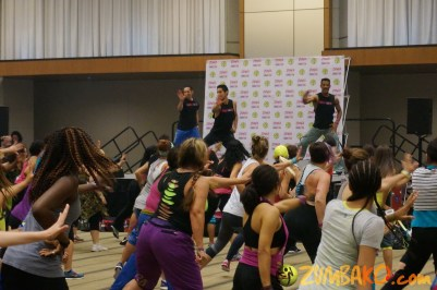 Zumba Home Connection 2014b_006