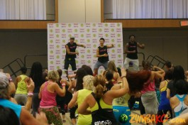Zumba Home Connection 2014b_035
