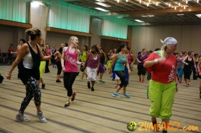 Zumba Home Connection 2014b_075