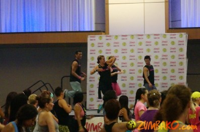 Zumba Home Connection 2014b_086